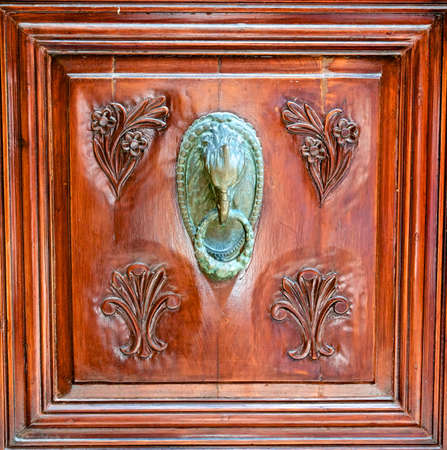 Door handle  head griffin  photo