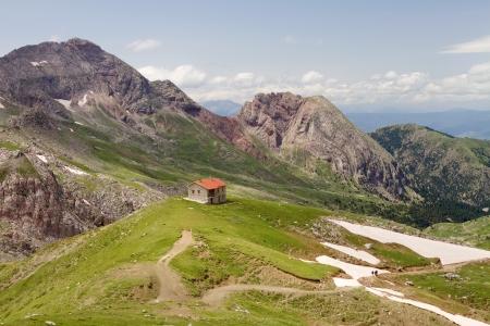 altitude: A winter shelter on Vardousia mountain (central Greece) during springtime