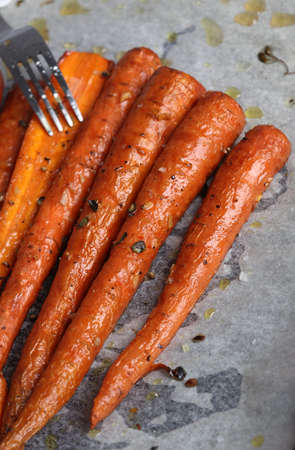 Thyme, garlic and honey carrots