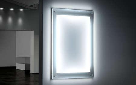 Leeg wit verlichte poster mockup in een donkere zaal, 3D-rendering. Duidelijke gloeiende affiche ontwerp mock up gemonteerd op gallery muur. Led acryl billboard met lege aanplakbiljet in de bioscoop kamer. Light doosteken