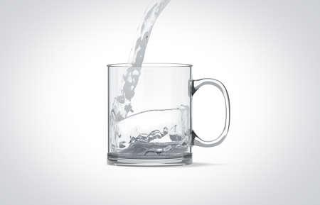 Gietend water in de lege transparante spot van de glasmok omhoog geïsoleerd, het 3d teruggeven. Duidelijke doorschijnende koffiekopje mock-up voor sublimatie afdrukken met koken. Lege gift crystal pint branding sjabloon.