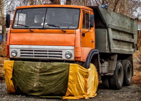 Kazakhstan, Ust-Kamenogorsk, november 2, 2017: Kamaz 5511. Old soviet truck. Old dumper 報道画像