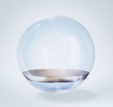 glazen bol die op een witte achtergrond.