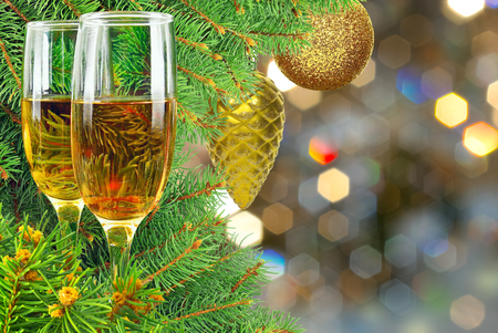 aureate: Two glasses of wine under the Christmas tree