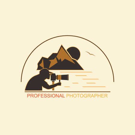 Silhouette of a man with a camera on the background of mountains and the sea. Emblem for professional photographers on a white background. Standard-Bild - 103285855