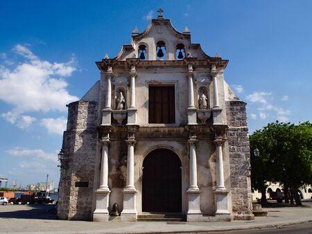 paula: San Francisco de Paula church