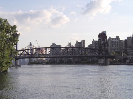 movable bridge: Roosevelt Island bridge