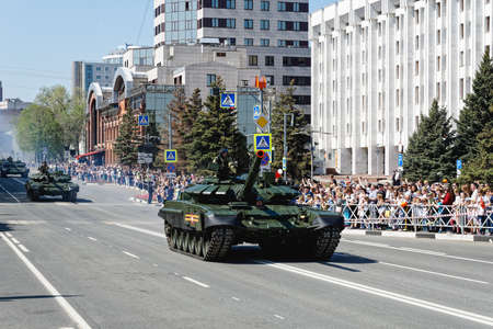 SAMARA, Russia - May 9, 2019: at the military parade in honor of the anniversary of victory in World War II. main tank T-72b3 Stok Fotoğraf - 146248679