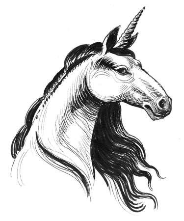 Unicorn head. Ink and watercolor illustration Zdjęcie Seryjne - 137592476