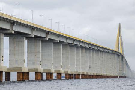 amazonas: Manaus-Iranduba bridge over Negro river, in the Amazon