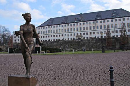 statue of duchess Luise Dorothea of ??Saxony-Gotha-Altenburg Editoriali