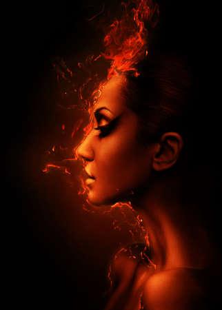 de brandende vrouw het hoofd profiel