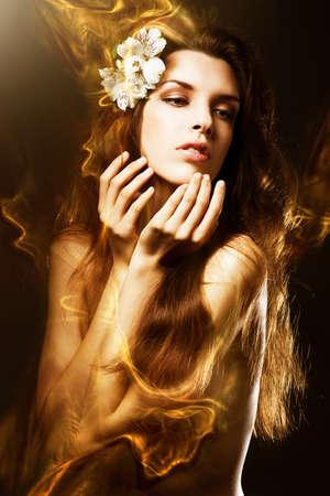 girls naked: сексуальная красивая женщина с цветами и медом