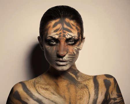 섹시 호랑이 여자