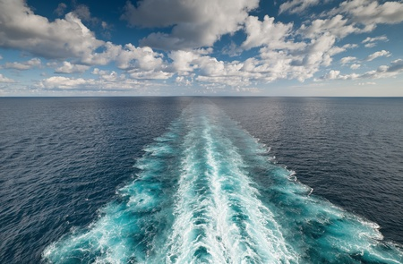 keel: Ocean view from the deck of vessel with wake trace