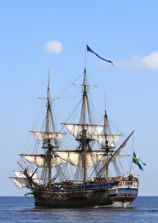 caravelle: Vue panoramique sur le voilier sur la mer Baltique