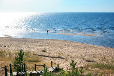 duna: paisaje báltico con playa de arena, Balta Kapa - Saulkrasti Letonia