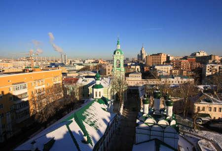 Moskau Kirche aus dem Dach Standard-Bild - 65288459