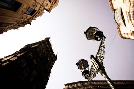 Straßenlaterne und Himmel in Prag Standard-Bild - 65288546