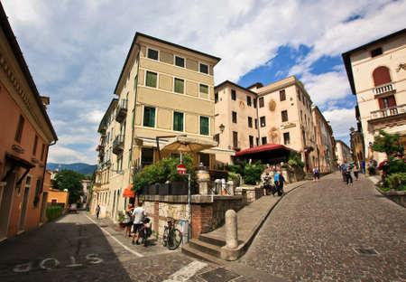 Straßen der italienischen Stadt in Venetien Standard-Bild - 69051803