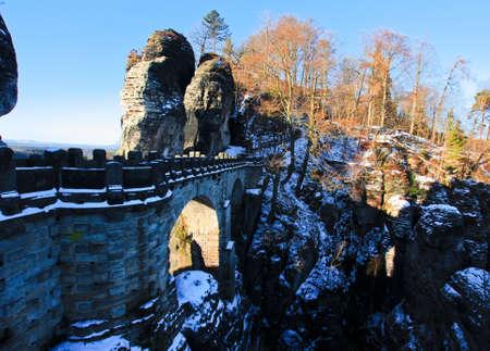 Steinbrücke in Bastei, Deutschland Standard-Bild - 71553540
