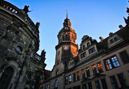 Glockenturm von Dresden Schloss Standard-Bild - 71525941
