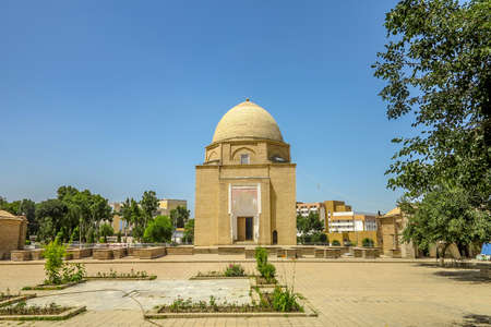 Samarkand Rukhobod Bricks Cupola Mausoleum Square Frontal Viewpoint 스톡 콘텐츠