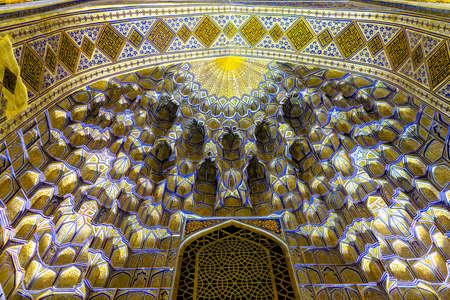 Samarkand Gur-e Amir Complex Mausoleum Illuminated Muqarna Honeycomb Stalactite Vaulting 에디토리얼