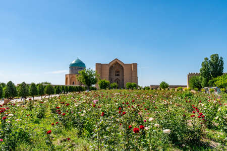 Turkestan Mausoleum of Rabia Sultan Begim with Khoja Ahmed Yasawi Tomb Breathtaking Picturesque View on a Sunny Blue Sky Day 版權商用圖片
