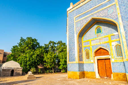 Hyderabad Mian Ghulam Nabi Kalhoro Tomb Picturesque Breathtaking View at a Sunrise Blue Sky Day Standard-Bild