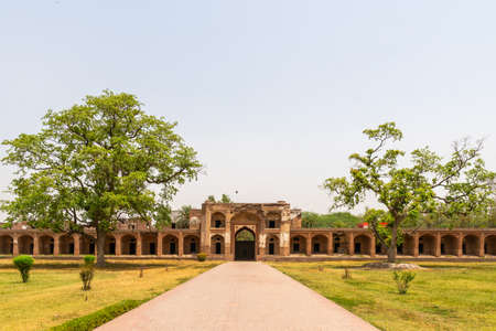 Lahore Shahdara Bagh Jahangir's Tomb Picturesque View of Corridor Walkway and Garden on a Sunny Blue Sky Day Stock fotó