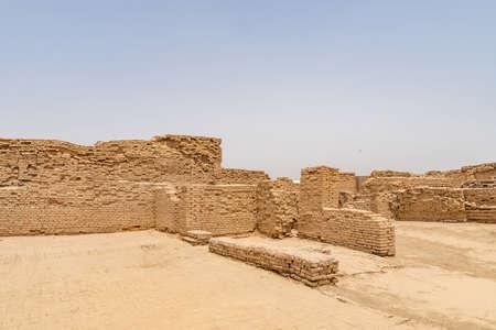 Larkana Mohenjo Daro Archéologique UNESCO World Heritage View of Dikshit DK Area Villa Mur de riches résidents sur une journée ensoleillée de ciel bleu Banque d'images