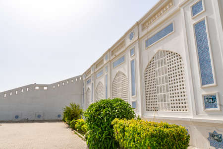 Larkana Bhutto Family Mausoleum Picturesque View of the Facade Windows on a Sunny Blue Sky Day 写真素材