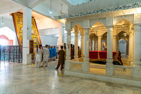 Larkana Bhutto Family Mausoleum Picturesque Interior View of a Martyr Shaheed Tomb with Visitors Sajtókép