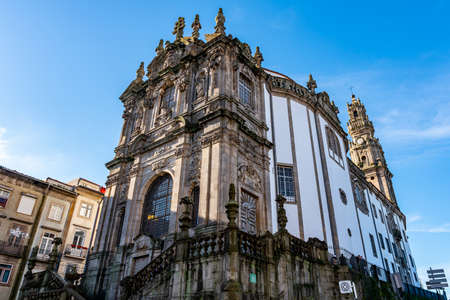 Porto Igreja dos Clerigos Church Breathtaking Picturesque View on a Blue Sky Day in Winter 版權商用圖片