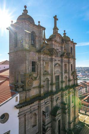 Porto Igreja de Sao Lourenco Saint Lawrence Church Breathtaking Picturesque View on a Blue Sky Day in Winter 版權商用圖片