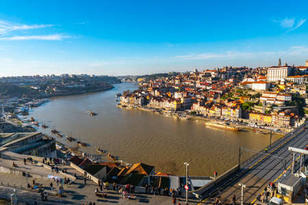 Porto Douro River Picturesque High Angle View of Ribeira District with Anchored Ships on a Sunny Blue Sky Day in Winter 版權商用圖片