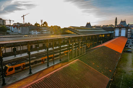 Porto Sao Bento Railway Station Breathtaking Picturesque View of Parked Train During Sunset Stok Fotoğraf