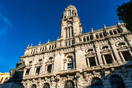 Porto Camara Municipal Town Hall Breathtaking Picturesque View on a Blue Sky Day in Winter Imagens