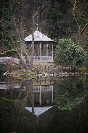 pavillion: pavillion at lake
