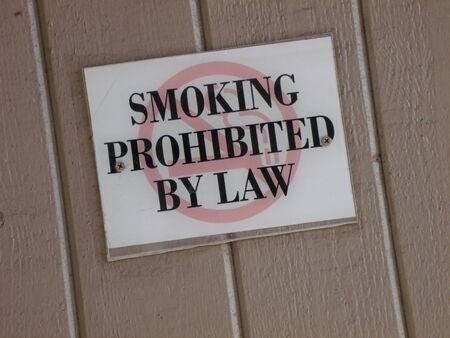 Roken bij wet verboden teken
