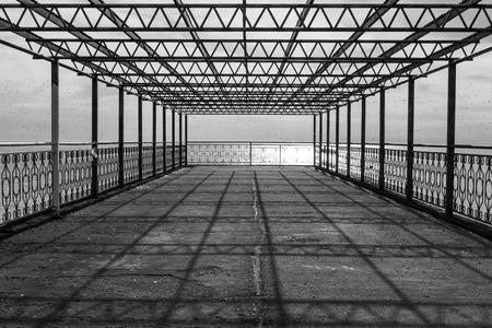 metal design on the sea shore Banque d'images