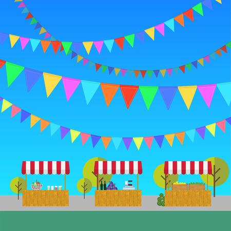 limonada: Tienda de campaña en el mercado, los productos agrícolas, el vino y las uvas, limones limonada y en caja de madera. mercado. Festival. banderas al aire libre