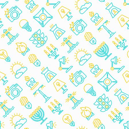 Iluminación de patrones sin fisuras con iconos de líneas finas: bombilla, LED, CFL, vela, lámpara de mesa, luz solar, foco, flash, candelabro, hoguera, menorá, faro, lámpara aromática nocturna. Ilustración de vector moderno.