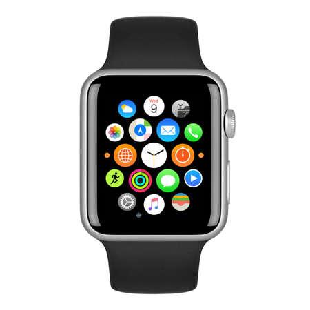 Varna, Bulgarije - 15 oktober 2015: Apple Watch Sport 42mm Zilver aluminium behuizing met Zwarte Sport Band met startscherm op het display. Vooraanzicht close-up studio opname. Geïsoleerd op een witte achtergrond. Redactioneel