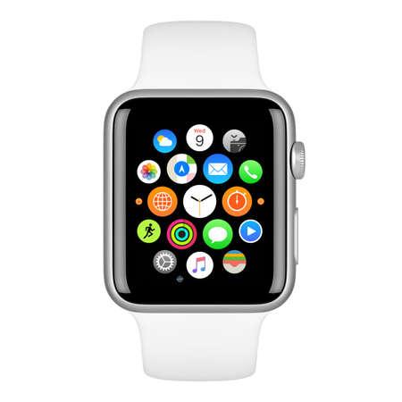 Varna, Bulgarije - 15 oktober 2015: Apple Watch Sport 42mm Zilver aluminium behuizing met White Sport Band met startscherm op het display. Vooraanzicht close-up studio opname. Geïsoleerd op een witte achtergrond. Redactioneel