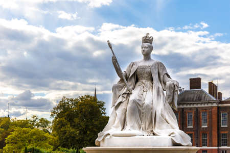 Queen Victoria monument at Kensigton palace, Hyde Park