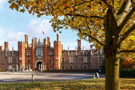 Hampton Court in autumn, London Banco de Imagens