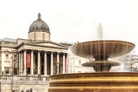 trafalgar: Fountain in spring at Trafalgar square, London