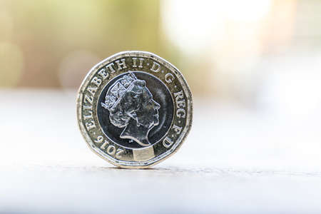 reverse: New one pound coin close up shot Stock Photo